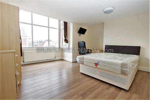 4 bedroom flat to rent - Stanmore Road, Heaton, NE6