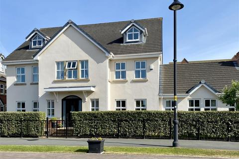 6 bedroom detached house for sale - Victory Boulevard, Lytham