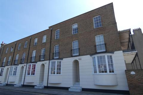 5 bedroom house to rent - Spencer Square, Ramsgate
