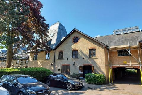 2 bedroom apartment for sale - River Meads, Stanstead Abbotts - top floor apartment