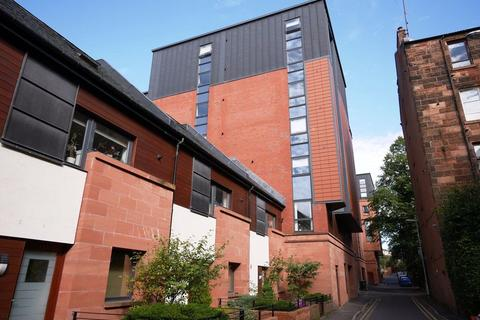 3 bedroom flat to rent - HAYBURN LANE, G12 9FD