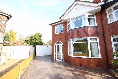 3 bedroom semi-detached house to rent - Shawbury Grove, Sale, Cheshire