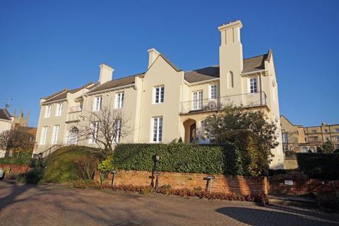 2 bedroom flat to rent - Lansdown GL50 2JL