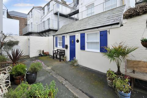 2 bedroom apartment for sale - Marine Parade, Worthing