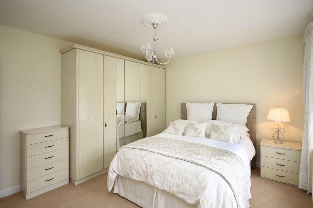 Cottrell Road, Hale Barns, Cheshire 2 bed detached ...