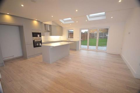 4 bedroom terraced house to rent - Hunters Ride, Bricket Wood, Herts
