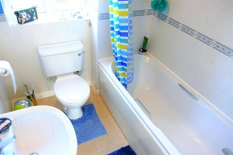 2 bedroom end of terrace house for sale - Turnstone Way, Stanground, Peterborough