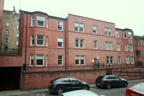 3 bedroom flat to rent - Caird Drive, Glasgow, G11