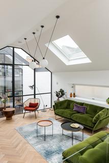 3 bedroom terraced house for sale - Bow Common Lane, London E3