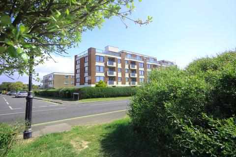 2 bedroom ground floor flat for sale - Solent Court, Milford on Sea