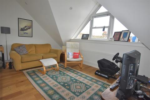 2 bedroom flat to rent - Birstall Road, London N15