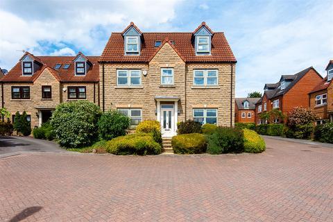 5 bedroom detached house for sale - Applewood Gardens, Darrington, WF8 3FG
