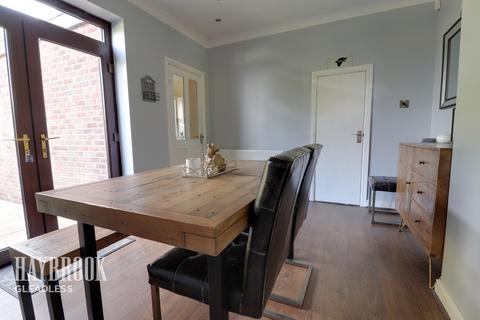 3 bedroom semi-detached house for sale - Seagrave Crescent, Sheffield