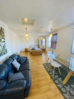 Maisonette to rent - Cowley Road, Oxford, OX4
