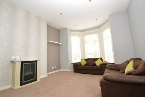 2 bedroom ground floor flat to rent - Eglinton Hill, Shooters Hill, London
