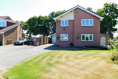 4 bedroom detached house for sale -  Hinchliffe Road, Hamworthy, Poole, BH15