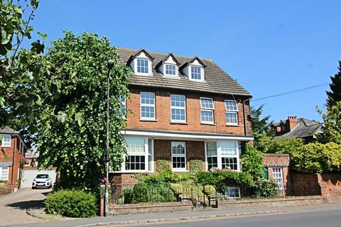 1 bedroom apartment to rent - Station Road, Marlow, SL7 1NN