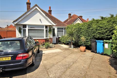 2 bedroom detached bungalow for sale - Nansen Avenue, Oakdale, POOLE, Dorset