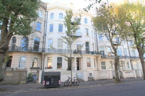 Studio to rent - Denmark Terrace, Brighton
