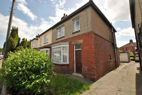 3 bedroom semi-detached house for sale - Lister Street, Clifton
