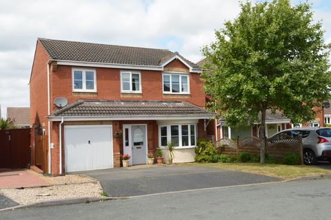 4 bedroom detached house for sale - Chichester Close, Rugeley