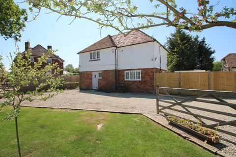 3 bedroom detached house for sale - Oak Grove  Lane, High Halden