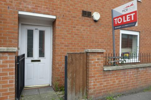 2 bedroom apartment to rent - Stockport Road, Grove Village