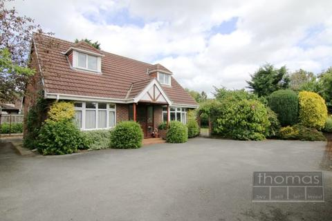3 bedroom detached bungalow for sale - Sheraton Road, Christleton, Chester, CH3