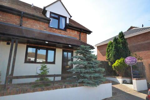 3 bedroom semi-detached house for sale - Keable Road, Wrecclesham
