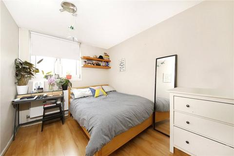 3 bedroom apartment to rent - Wedgewood House, Warley Street, London, E2