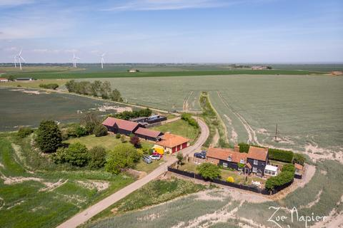 4 bedroom farm house for sale - Burnham-on-Crouch, Essex
