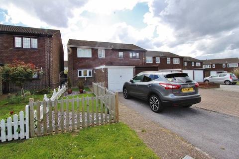 3 bedroom semi-detached house for sale - Portnoi Close, Romford, RM1