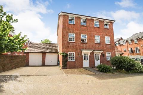 4 bedroom townhouse for sale - Copenhagen Way, Norwich