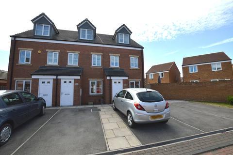 3 bedroom terraced house for sale - Pennwell Garth, Leeds, West Yorkshire