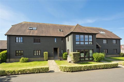 3 bedroom flat for sale - Summer Close, Byfleet, Surrey, KT14