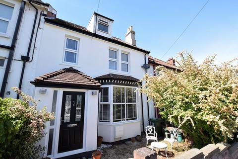 3 bedroom terraced house for sale - Fantastic family home in a popular central location