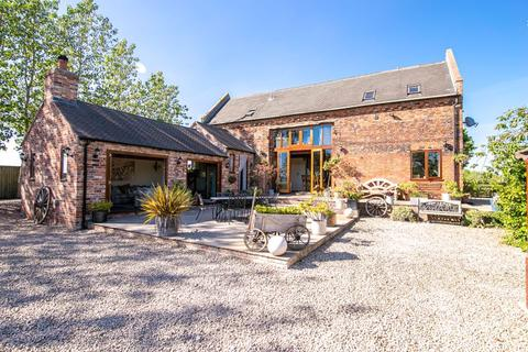 3 bedroom barn conversion for sale - Haselour Lane, Tamworth, B79 9JT