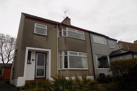 3 bedroom semi-detached house to rent - Ffriddoedd Road, Bangor, Gwynedd, LL57