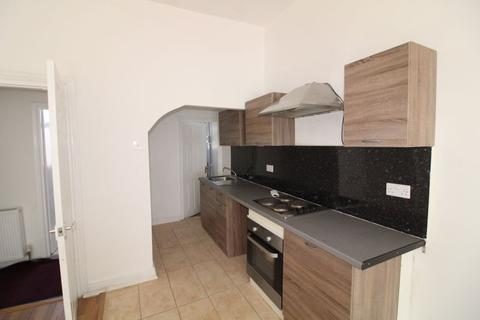 3 bedroom flat to rent - High Street North, Dunstable