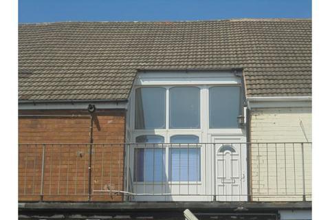 2 bedroom property to rent - Main Street