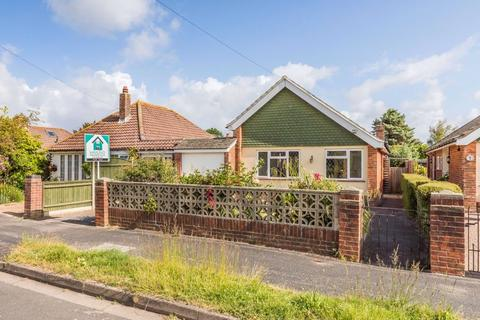 2 bedroom detached bungalow for sale - Grand Parade, Hayling Island