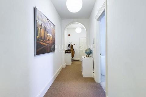 2 bedroom apartment to rent - This two bedroom apartment, situated in historic Rochester.