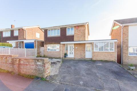 3 bedroom detached house for sale - Downs Road, Ramsgate