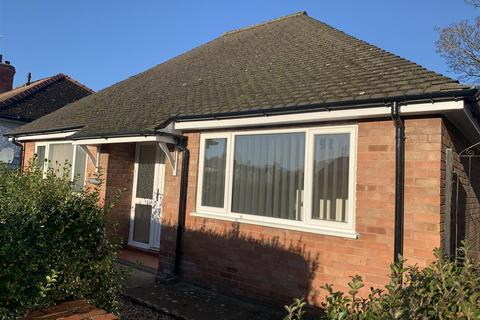 2 bedroom detached bungalow for sale - Oswestry