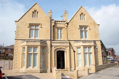 3 bedroom flat to rent - Green Hill Lane, Wortley, Leeds