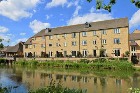 2 bedroom apartment for sale - Riverside Place, Stamford