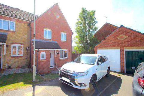 3 bedroom semi-detached house to rent - Top Close, Thorpe Astley