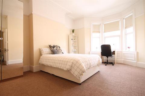 3 bedroom apartment to rent - Coniston Avenue, Jesmond