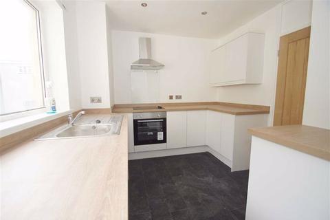 3 bedroom flat to rent - Queenshill Avenue, LS17