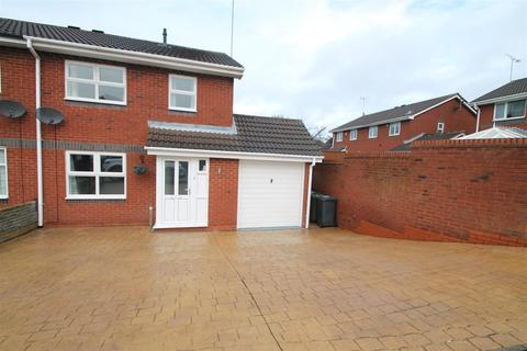 3 bedroom semi-detached house to rent - Woodstock Drive, Cannock